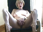 A sexy little striptease from Hazel ends with her masturbating