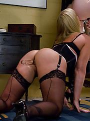 Flower Tucci: Anal Fisted & Squirting... Raunchy Fucking Girl