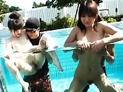 Nonoka Anzu has her pussy rubbed in a public pool