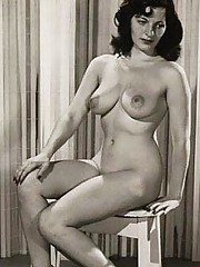 Pretty pin up girls posing naked in fourties