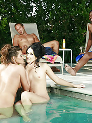 When the Michaels checked into the swingers resort for some vacation fun, it didn't take long to find a couple they were interested in.