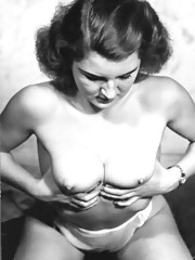 Sexy vintage topless girls posing in fourties