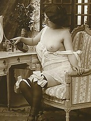 Sexy horny chicks posing at home in twenties