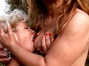 Mature lesbians kissing and licking