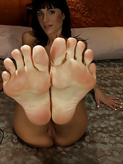 GoatMilkers suck her toes, Hatchet machine swinging 10in cock into her pussy, squirting O