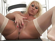 Mature blonde loves kinky fucking