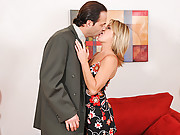 Anilos Jessie Fontana chokes on cock before getting fucked