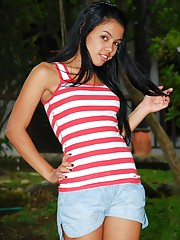 Gigi Spice fucks her pussy with 4 fingers wearing nothing but her red stripes top