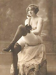 Some hot vintage chicks relaxing in twenties