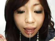 Japanese AV Model shows a cumshot she got into her mouth