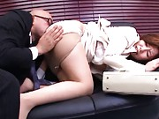 Sakiko Mihara gets her mature cunt licked by this horny dude