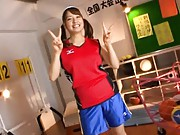 Buruma Aoi wears a gym outfit and shows off how cute she is