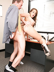 The Office 02 - Ashlynn Brooke, Faye Reagan, Gianna Michaels, Jenny Hendrix, Nika Noire, Sadie West