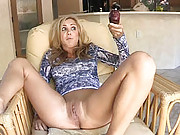 Ashley orgasms from a strong vibrator