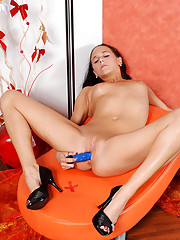 Nubile Terry Anne fucks herself hard using her favorite sex toy