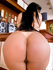 Super hot thick ass brazilian pounded hard agasint the bar hot fucking cumfaced bikini pics