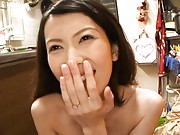 Yui Hatano Naked girl sucks boyfriend´s cock on his couch