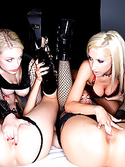 Jessi andrews fucks 4 hot lesbians in this hot finger fucking black latex lesbian group sex party