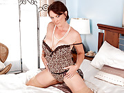 Enticing cougar Foxy pulls grandmas pearls out of her pussy