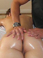 Horny slut gets her pussy massaged in the parlour
