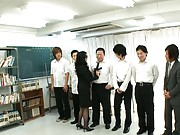 Natsumi Kitahara rubs her cunt in front of class full of studs