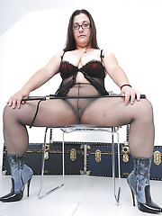 Pantyhose fetish chubby mistress