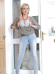 Skintight jeans busty leggy mature