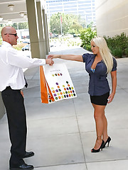 This sexy ass blonde milf catches a nice fuck in these hot pics from her limo driver