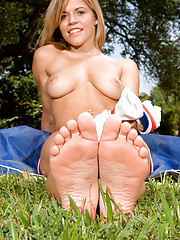 Foot Fetish Big Tits