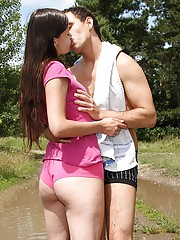 A lucky guy boning his horny chick outdoors