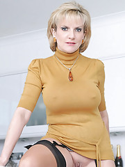 Nylons trophy wife sonia spreading