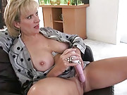 Mature lady sonia gets herself off