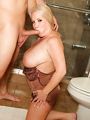 Anilos Rachel Love gives an amazing blowjob and takes the cum in her mouth