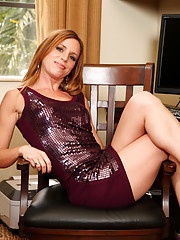 Anilos Carly Bell masturbates with a magic wand till she is satisfied