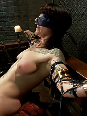Tattooed beauty discovers she can