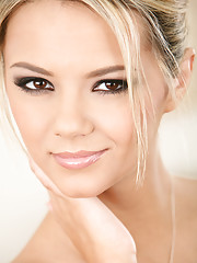 Beautiful Ashlynn Brooke Milks Every Drop Of Man Juice