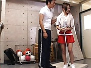 Konatsu Aozora in sexy sports outfit gets proposition from hunk