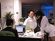Saori Hara Asian come with short skirt in office to arouse boss