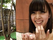 Japanese AV Model puts in palm all the cum she gets after blowjob