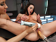 Isis Love tops, squirts, fucks & ruins Kendra w/orgasms so powerful she can