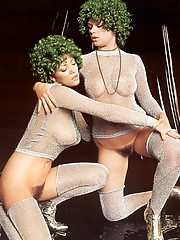Sexy retro girls with green hair doing it all