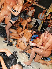 Insane party goers suck and fuck in foamy mes
