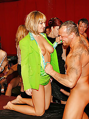 Incredibly hot and huge groupsex party action