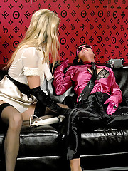 Two snatch rubbing lesbians filming their sex
