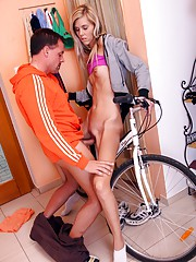 Bike rider fucking a hot teenage running babe