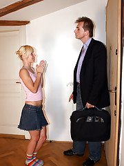 Horny senior collecting the rent from hottie