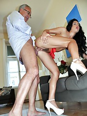 British gentleman pleasures an italian babe