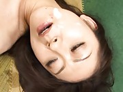 Ruri Hayami Asian gets sperm close to mouth after deeply frigging