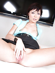 stunning fashion model sucks cock and swallows huge mouthful...