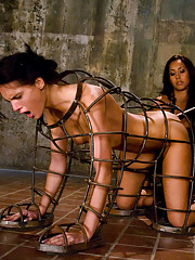 Jennifer Dark gets double teamed by Isis Love and Princess Donna